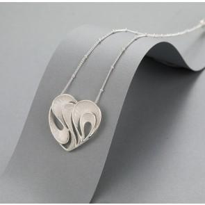 Heart swirl necklace