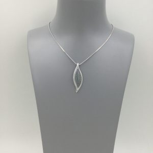 Open leaf necklace silver